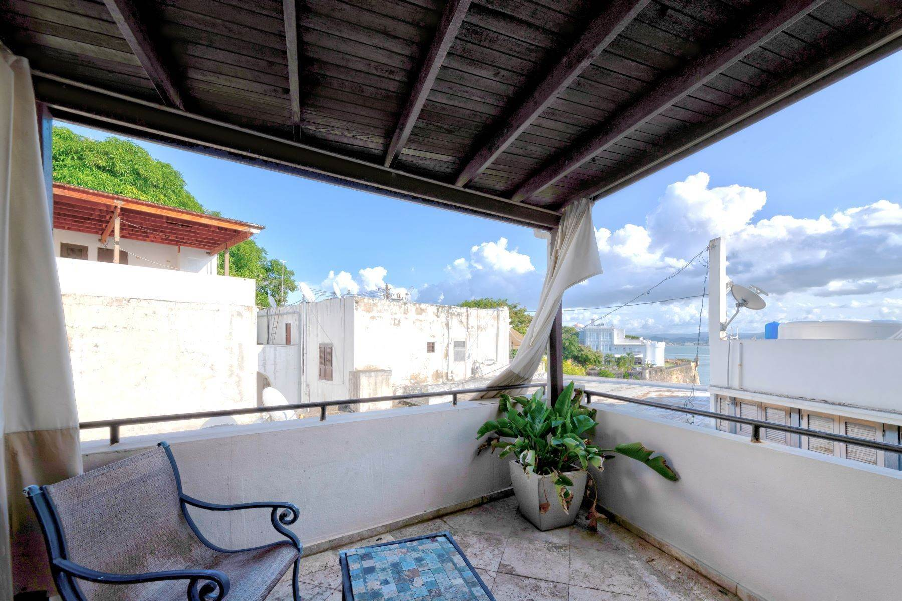 25. Single Family Homes for Sale at Splendid Old San Juan Living by the Bay 4 Sol St. Old San Juan, 00901 Puerto Rico