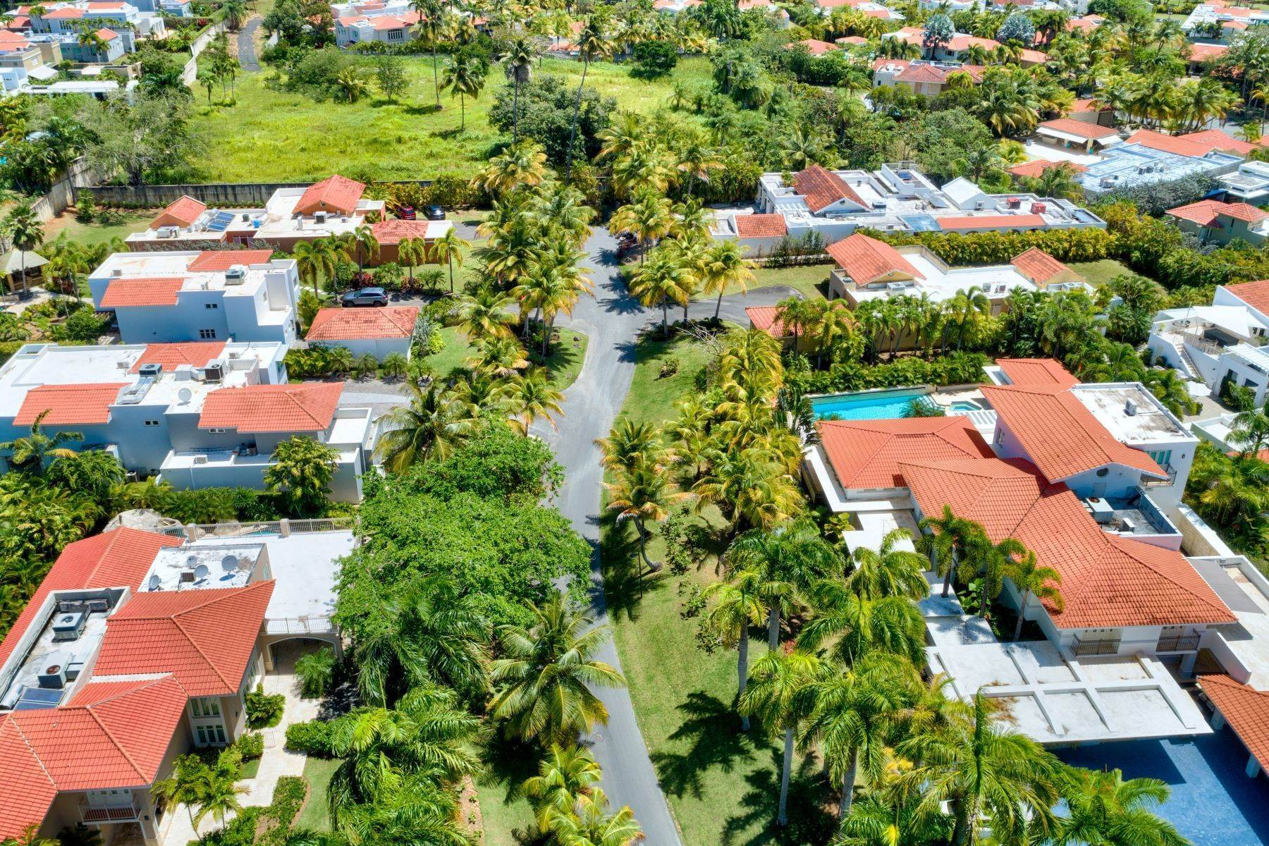 40. Single Family Homes for Sale at One of a Kind in Dorado Beach East 357 Dorado Beach East Dorado Beach, 00646 Puerto Rico