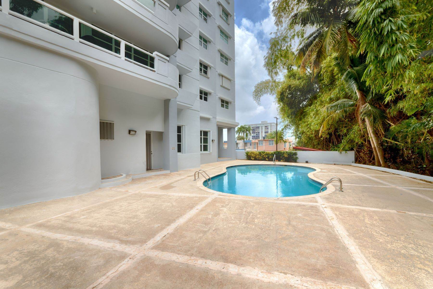 27. Condominiums for Sale at Stunning Duplex PH with Scenic Views in Portofino 5 Palm Circle St., Apt. 16 PH-A Guaynabo, 00969 Puerto Rico