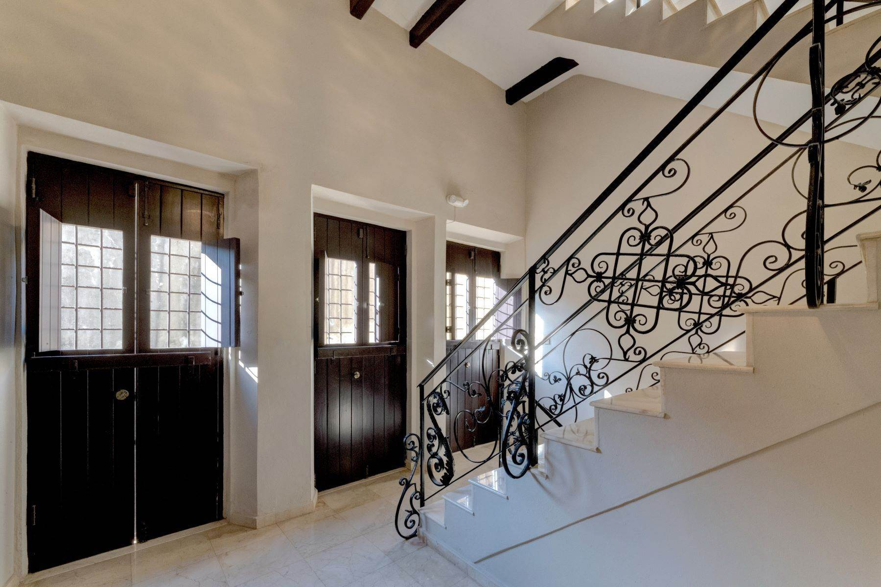 2. Single Family Homes for Sale at Splendid Old San Juan Living by the Bay 4 Sol St. Old San Juan, 00901 Puerto Rico
