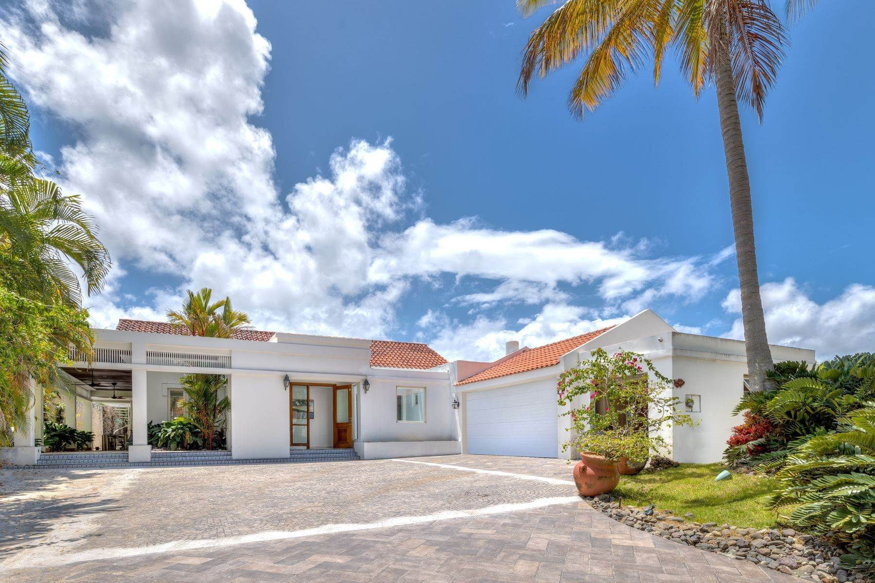 Single Family Homes para Venda às One of a Kind in Dorado Beach East 357 Dorado Beach East Dorado Beach, 00646 Puerto Rico