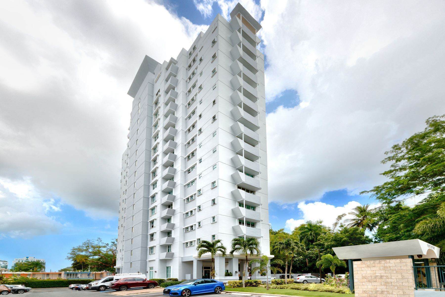 28. Condominiums for Sale at Stunning Duplex PH with Scenic Views in Portofino 5 Palm Circle St., Apt. 16 PH-A Guaynabo, 00969 Puerto Rico
