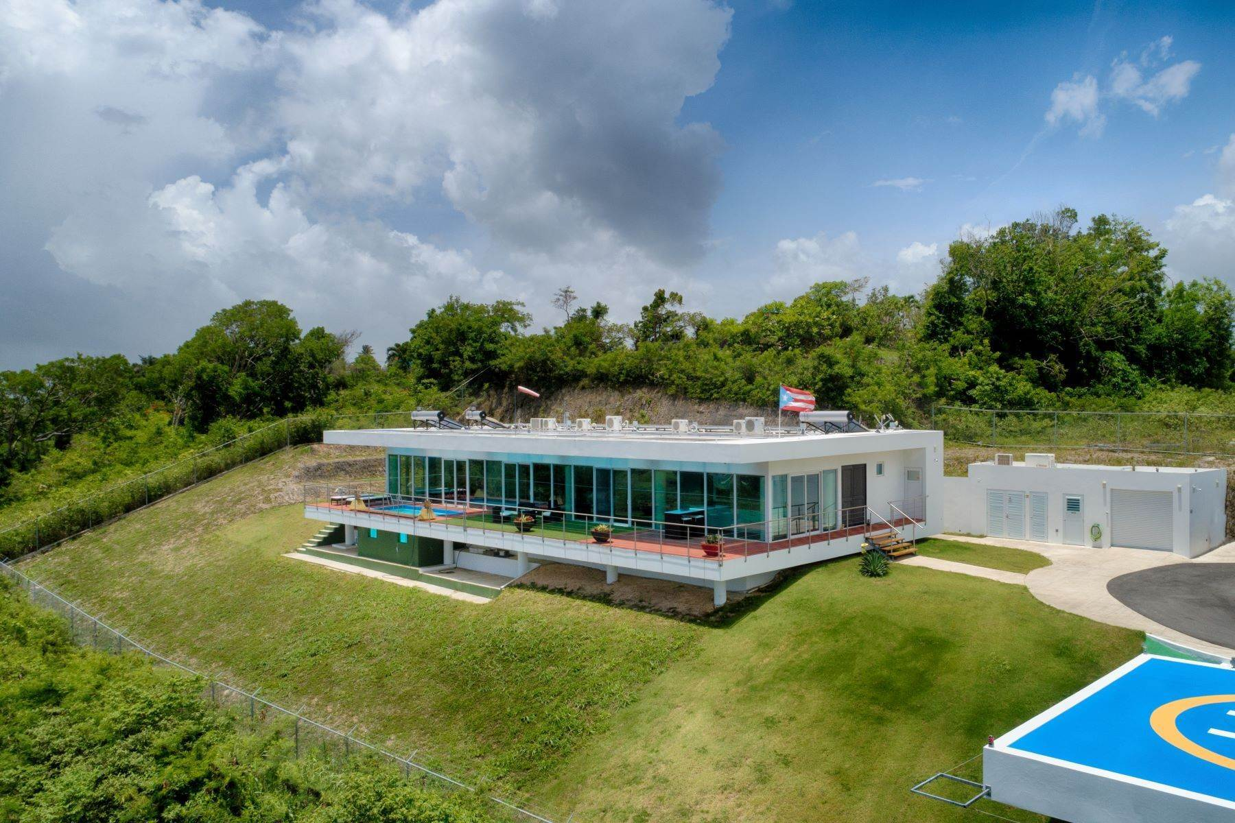 3. Single Family Homes for Sale at Self-Sustainable Luxury Home at Porta del Sol Calle San Jose Km 2.2 Quebradillas, 00678 Puerto Rico